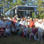 Gruppenbild vor Bus